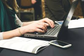 How To Become A Successful Student Blogger